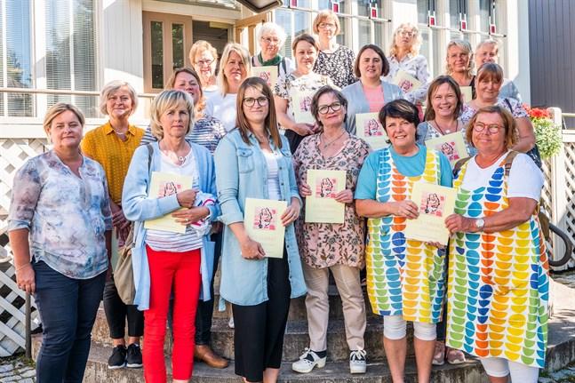 På måndagen firades bokrelease för Sol i minnet – i vårdkonsten.
