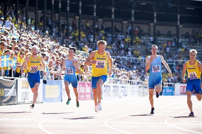 Herrarnas 200 meter under friidrottslandskampen på Stockholms stadion i fjol.