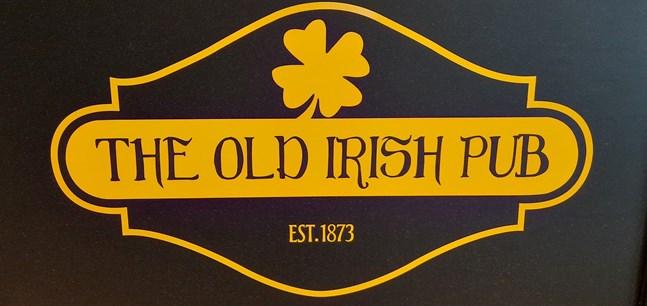 The Old Irish Pub håller självmant stängt, men är också tvingade till det.