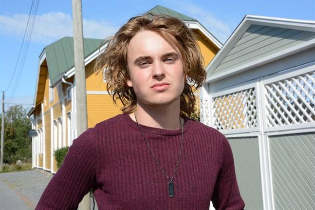 Enzo Pettersson, född 2001, är den yngsta av kommunalvalskandidaterna i Kaskö.