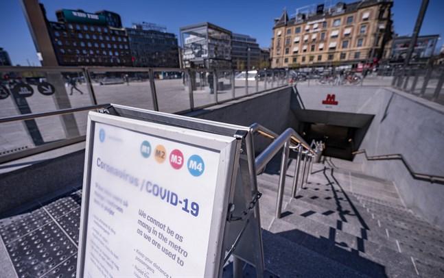 Köpenhamns tunnelbana har erbjudit handsprit – som inte verkar mot virus. Arkivbild.