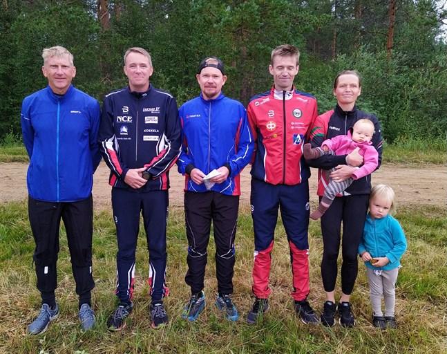 Larsmo vann landskapsstafetten med laget Johnny Fagerholm, Tomas Lillqvist, Niklas Lindell, Kim och Salla Fagerudd. De två Fageruddska ätteläggen på bilden får vänta några år innan de får chansen att försvara Larsmos färger i stafetten.