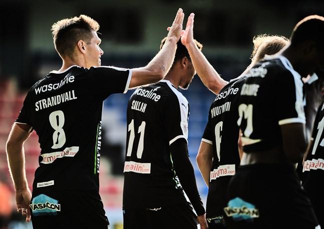 Sebastian Strandvall var tillsammans med Steven Morrissey bästa målskytt i VPS förra säsongen. Bägge gjorde nio mål. I år lär de få avlastning i målskyttet.