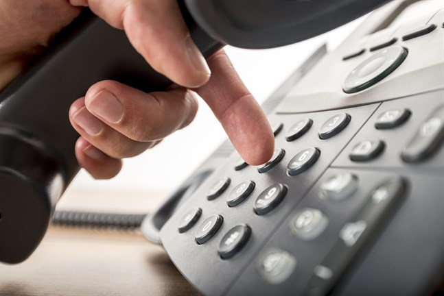 Social- och hälsovårdsverket i Jakobstad ringer in personer över 70 år, som är i kö, och ger tider för vaccination. Personer över 70 år kontaktas i åldersordning, så att äldre prioriteras. Personer över 80 år kan fortfarande beställa en tid för vaccination via telefonlinjen. Personer i riskgrupp 1 (18-69-år) kan också ännu beställa tid för vaccination elektroniskt eller via telefon.