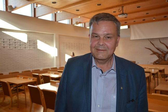Anders Norrback tycker att frågan om avskjutning av varg går i rätt riktning.