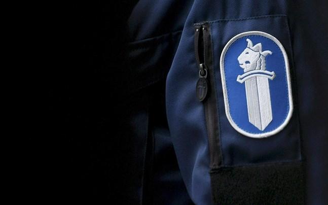 Polisen i Österbotten har varit fullt sysselsatt i helgen.