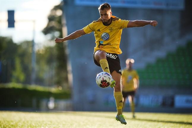 Nicolas Tuiskus FC Kiisto slog ut Kaskö IK ur Regions Cup
