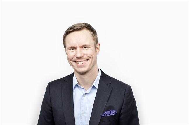 SEB:s Jussi Hiljanen har justerat upp sina prognoser.