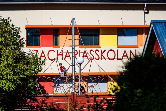 Arkivbild: Zachariasskolan i Nykarleby.