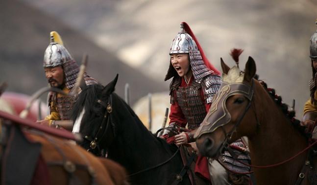 """Storfilmen """"Mulan"""" skulle ha haft premiär på biografer runt om i världen i somras. Nu släpps filmen på Disney plus i december i stället. Pressbild."""