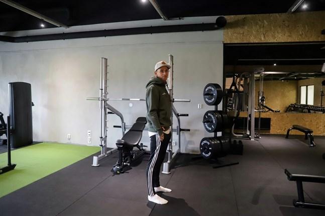 Verkstadsgymmet i Yttermalax är inte mycket större än det i Petalax till ytan. Nico Nordblad säger att det nya gymmet trots det är en mycket större investering.