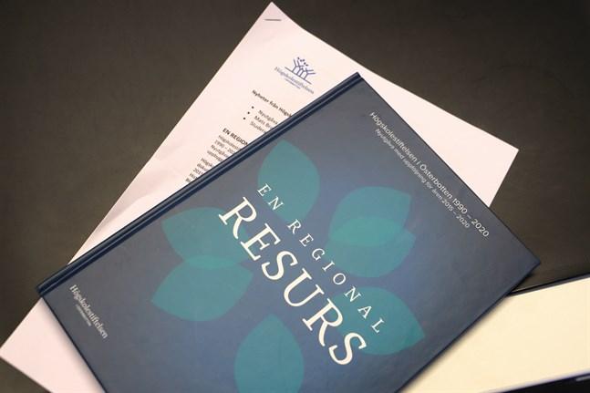 """Högskolestiftelsens nyutgåva av historiken, """"En regional resurs"""""""