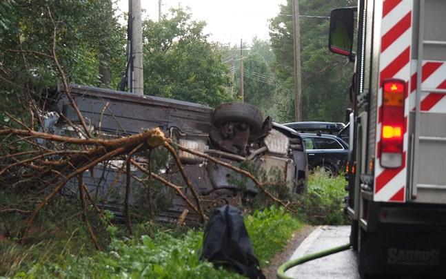 Olyckan inträffade på Fäbodavägen vid 18-tiden på fredagen.