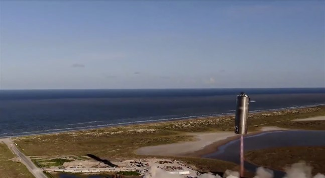 """SpaceX provflyger sina """"plåtburkar"""" vid stranden Boca Chica i Texas. Bild från SN5:s flygning i augusti."""
