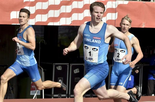 Oskari Lehtonen, Samuel Purola och Samuli Samuelsson skrev ett litet stycke landskampshistoria på 200 meter.
