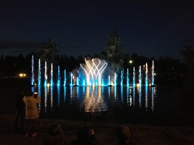 Vattenmusikalen i Stadssundet hade 20.000 åskådare.