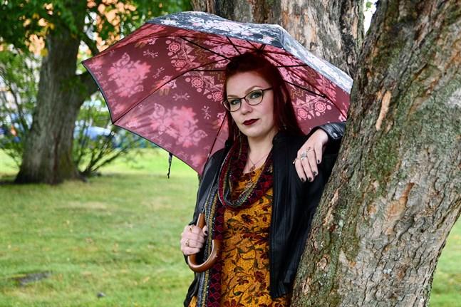 Catarina Harjunen säger att naturväsen, som skogsrå och troll, uttrycker en längtan efter något annorlunda.