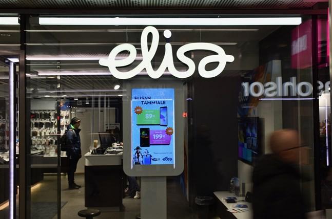 Telekombolaget Elisa hörde till ljusglimtarna i Solidiums aktieinnehav. Värdet på Elisas aktiekurs har stigit med 30 procent under det senaste året.