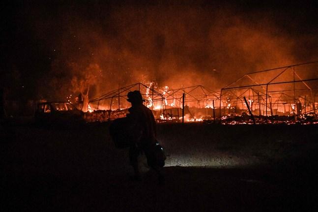 Branden som startade den 9 september ödelade hela lägret i Moria och 12 000 flyktingar blev av med tak över huvudet.