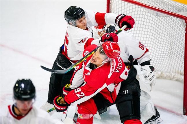 Aaro Vidgren och Sport fick smaka på en förlust mot Ässät i Seinäjoki.