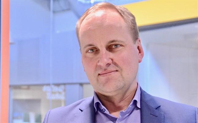 Enligt vd Tom Simola på Förlags Ab Sydvästkusten har bolaget tappat cirka 30 procent av sina annonsintäkter under coronakrisen.