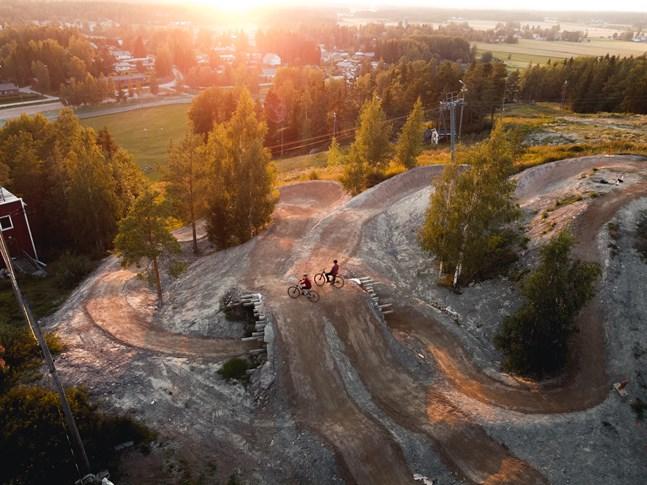 Teknikbanan vid Vörå skidcentrum har en magisk utsikt.
