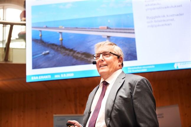 I september år 2020 besökte Esa Eranti Vasa och höll en mycket uppskattad föreläsning kring en möjlig Kvarkenbro.