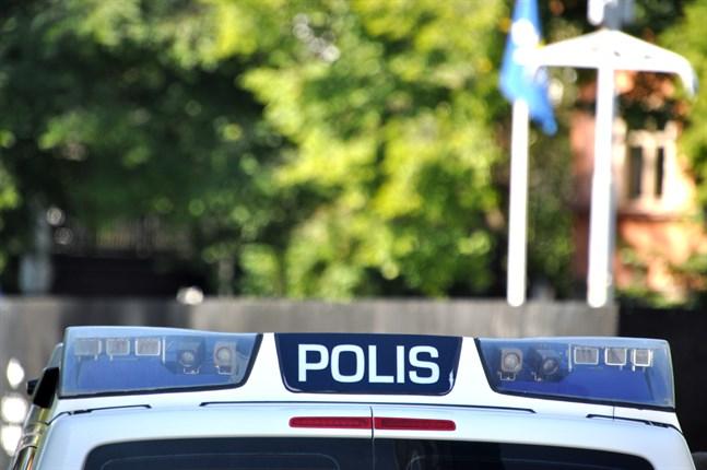 Polisen ber allmänheten om tips efter ett rån på Kärsämäkivägen i Åbo.