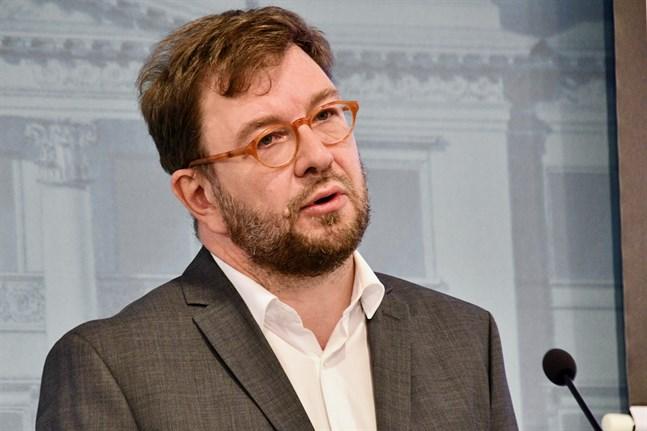 Kommunikationsminister Timo Harakka (SDP) testade sig för coronaviruset efter att han drabbats av lindriga luftvägssymtom.
