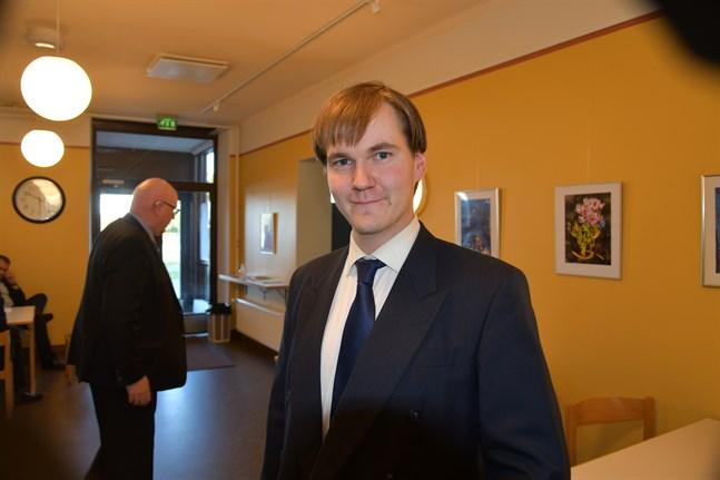 Tommy Englund (SFP) valdes till ny medlem i stadsstyrelsen på måndagskvällen.