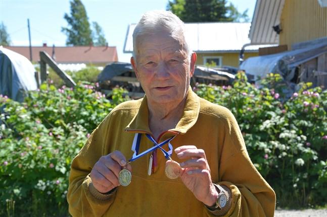 Leo Mård brukar skörda framgång i FM-tävlingar i orientering. På söndagen tog han ett silver i långa FM i Kankaanpää.