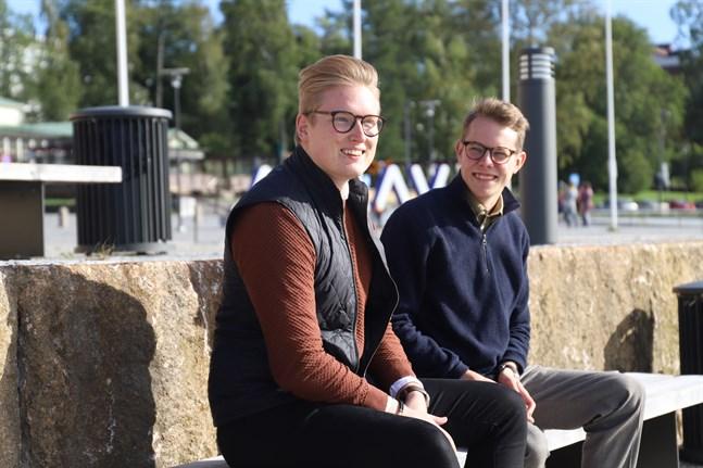 Jonas Lang och Oliver Back, båda 23 år, är mitt uppe i studielivet och har tagit fram tio tips på aktiviteter för en meningsfull höst.