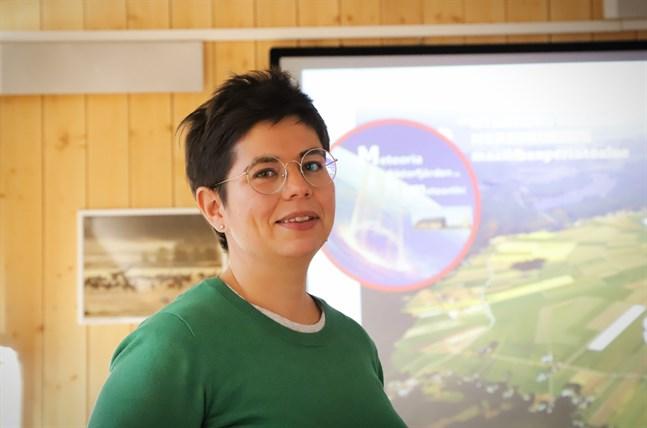 Anna Sundback, utbildningsplanerare vid Centret för livslångt lärande, leder det tvååriga projektet Urkrater som på olika sätt ska utveckla besökscentret Meteoria Söderfjärden.