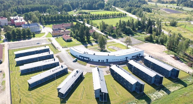 Den nya öppna fängelseanstalten har plats för 136 fångar.