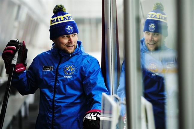 Malax IF:s tränare Jesper Söderholm ser bra tendenser i lagets spel.