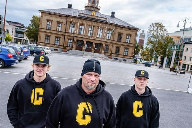 Nu kommer Centers Hockey på allvar. Casper Käld, Tomi Joki och Kim Nordström inleder seriespelet på lördag,