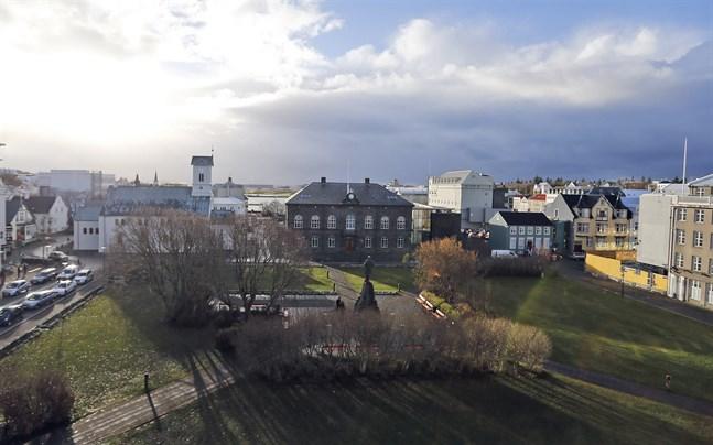 Barer och diskotek stängs i den isländska huvudstaden Reykjavik.