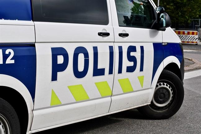En person avled och en annan skadades allvarligt i en olycka i Kurikka på fredagskvällen.