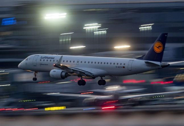 Lufthansa skär ned i flygplansflottan och i personalen. Arkivbild.