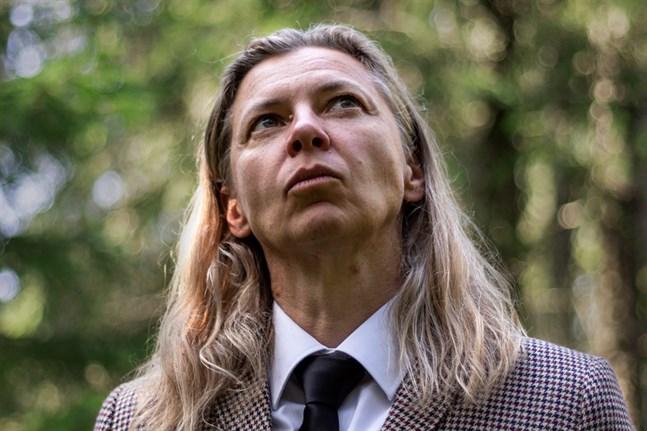 """Eva-Stina Byggmästars nya diktsamling """"Vox amoris"""" är ett kärleksepos som lyfter frågor om vem som har rätt att känna sig hemma."""