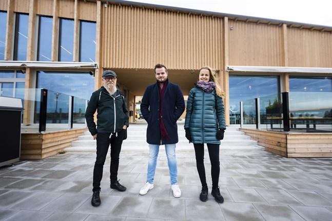 I de två portalerna i Fiskets hus blir det skördefest på lördag. Mats Sabel, Mattias Åhman och Isabella Asplund är glada över att kunna ordna evenemang tillsammans.