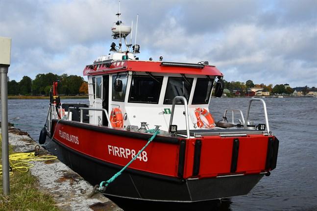 Österbottens räddningsverk skaffade två nya räddningsbåtar förra året, en till Kristinestad och en till Vasa. Båten på bilden finns i Kristinestad. Den som levereras till Oravais ska vara likadan.