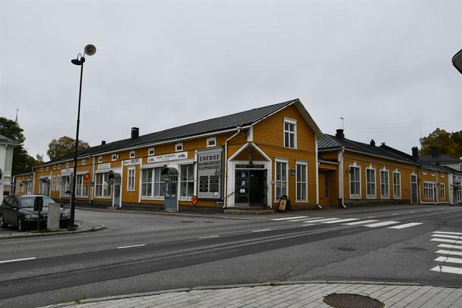 Handelshuset Corner i Kristinestads centrum har fått nya ägare.