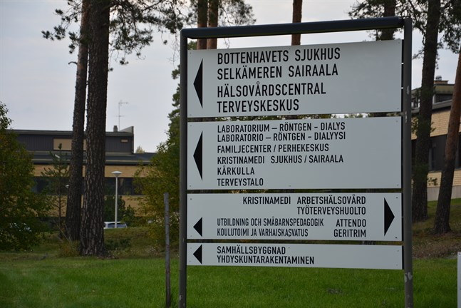 Reformer är på gång på sjukhusbacken i Kristinestad. Först ut är ett samföretag, som vårdbolaget Pihlajalinna och staden bildar.