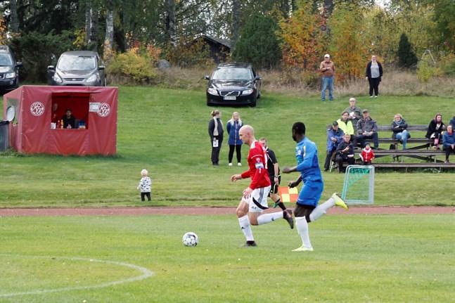 Jonas Granfors gjorde ett av hemmalagets mål mot Norrvalla FF.