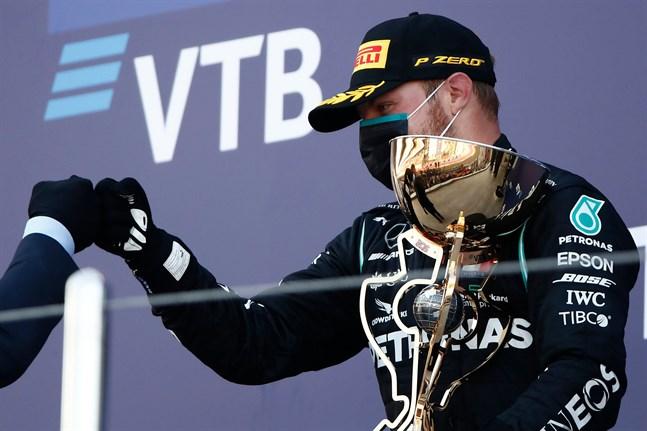 Valtteri Bottas fick till en bra start på Rysslands GP och avslutade lika starkt.