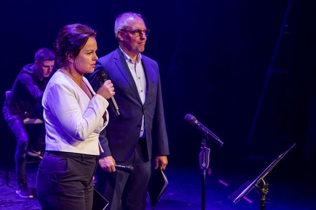 Ann-Luise Bertell och Dan Ekholm leder välgörenhetsgatan