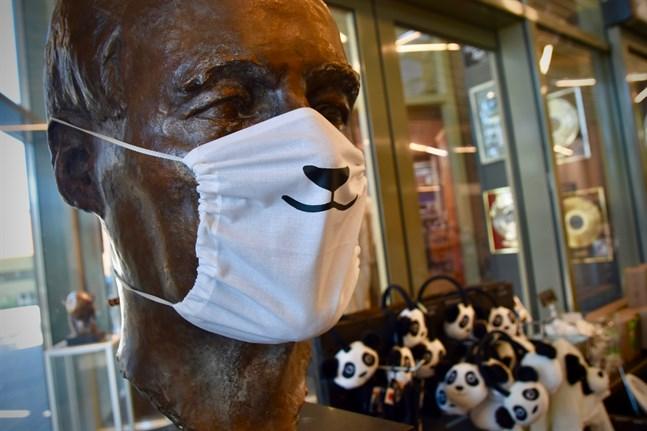 Etseri djurpark säljer munskydd med pandatema och de har haft en viss åtgång.