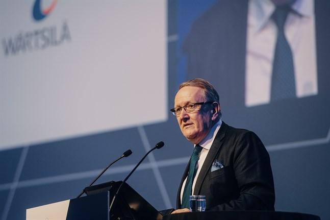 Tom Johnstone fortsätter som styrelsens ordförande.