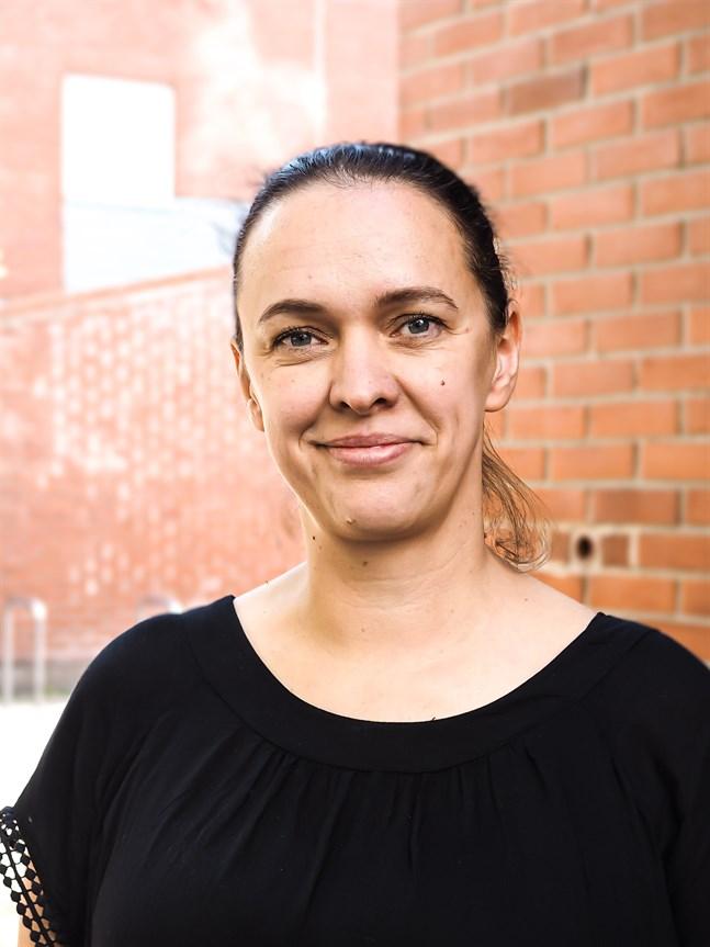 Församlingspastorn Patricia Högnabba i Matteus församling i Helsingfors har beviljats Kyrkans förtjänsttecken för barn och ungdomsverksamheten.